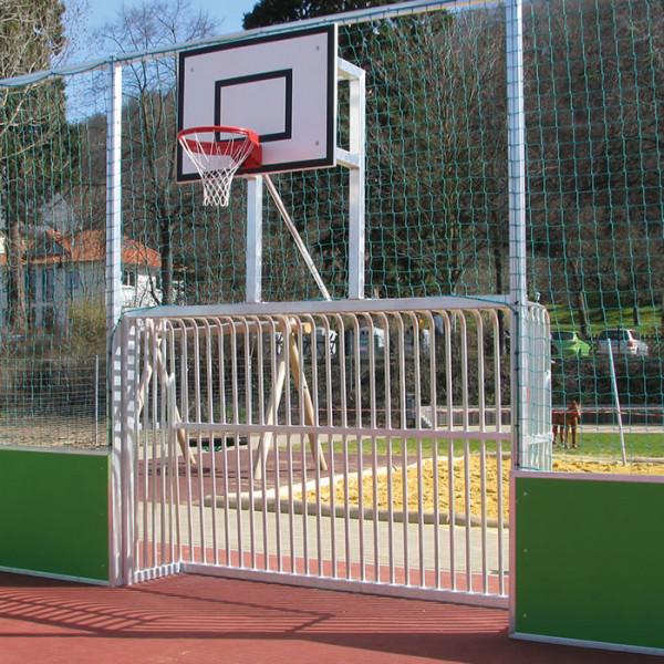Bolzplatz TOR UND BASKETBALL